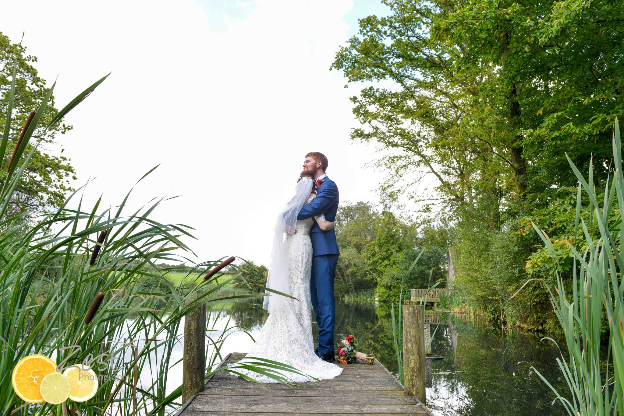 wedding couple at frickley lake